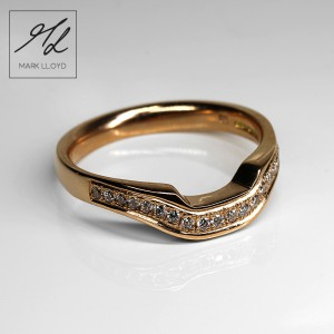 shaped-wedding-rings-gold-4
