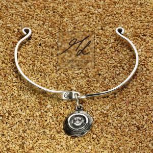 Dune-Smiley-Bracelet