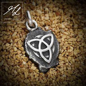 Dune-Silver-Celtic-Pendant