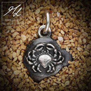 Dune-Silver-Crab-Pendant