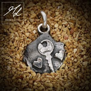 Dune-Silver-Key-to-your-heart-Pendant