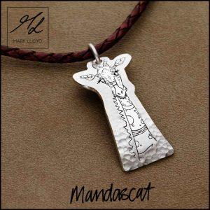 Silver-Mandascat-Geoff-the-Giraffe