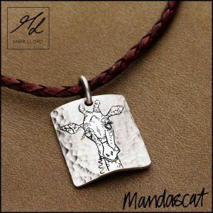 Silver-Mandascat-Geoff-the-Giraffe-pendant