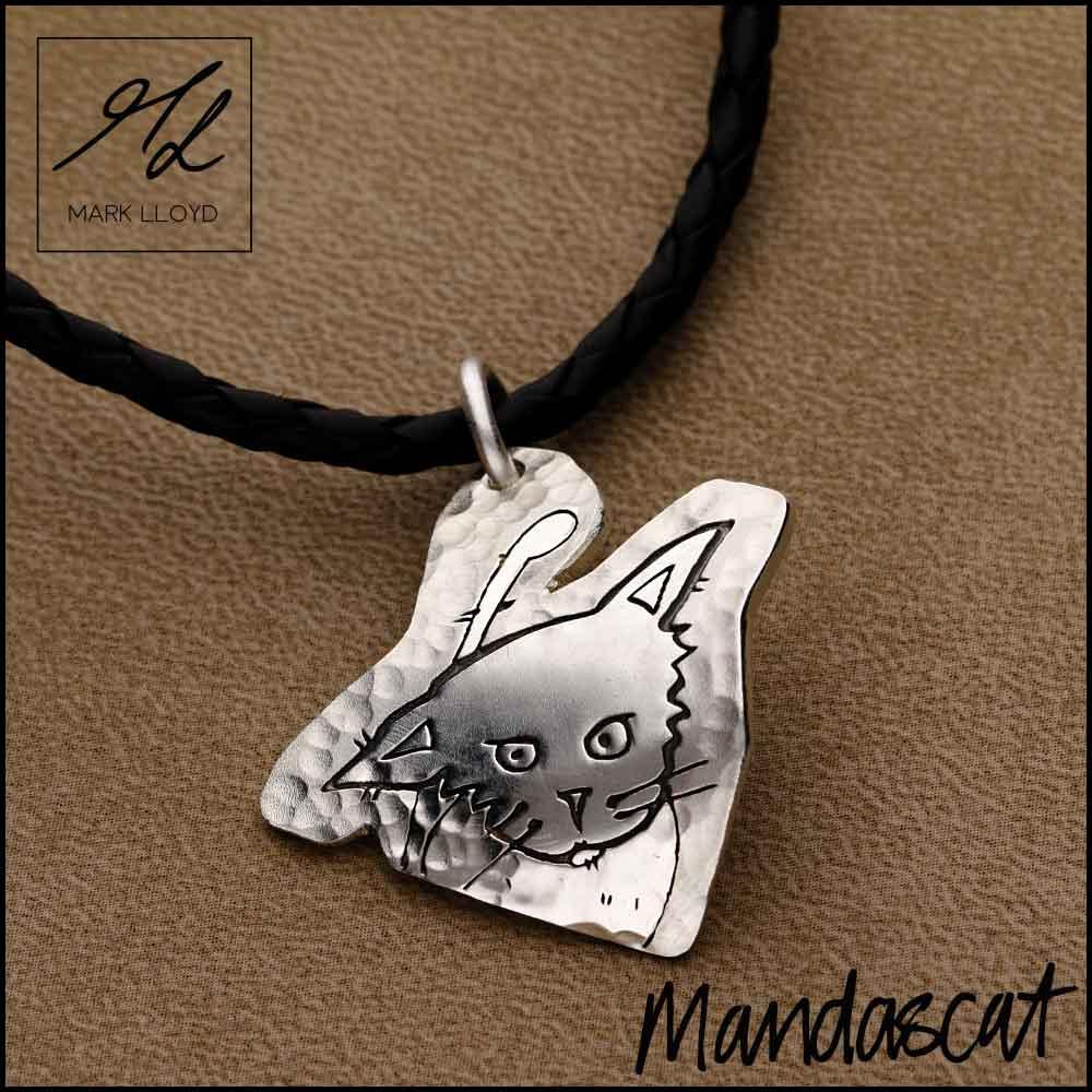 Silver-Mandascat-Mischievous-Cat-curved-pendant