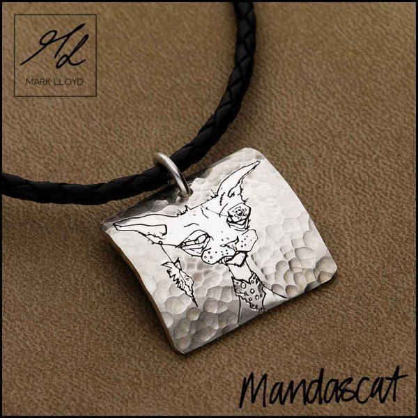 Silver-Mandascat-Pirate-Cat-head-on-a-curved
