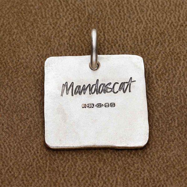 Silver-Mandascat-branded-logo-on-reverse